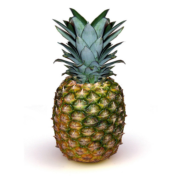 "International symbol of hospitality ""pineapple"" by giniger on Flickr some rights reserved: https://creativecommons.org/licenses/by-nc-sa/2.0/legalcode"